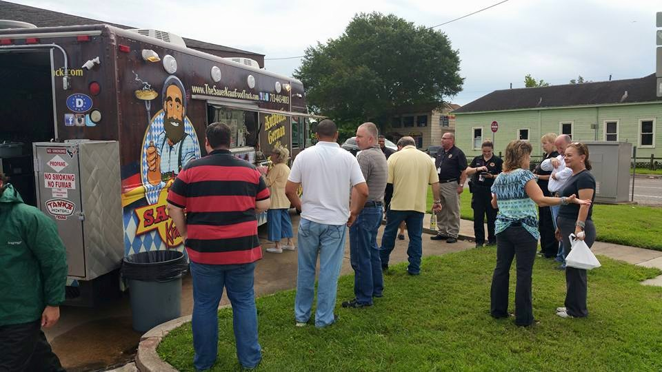Kraut truck at FTF with crowd
