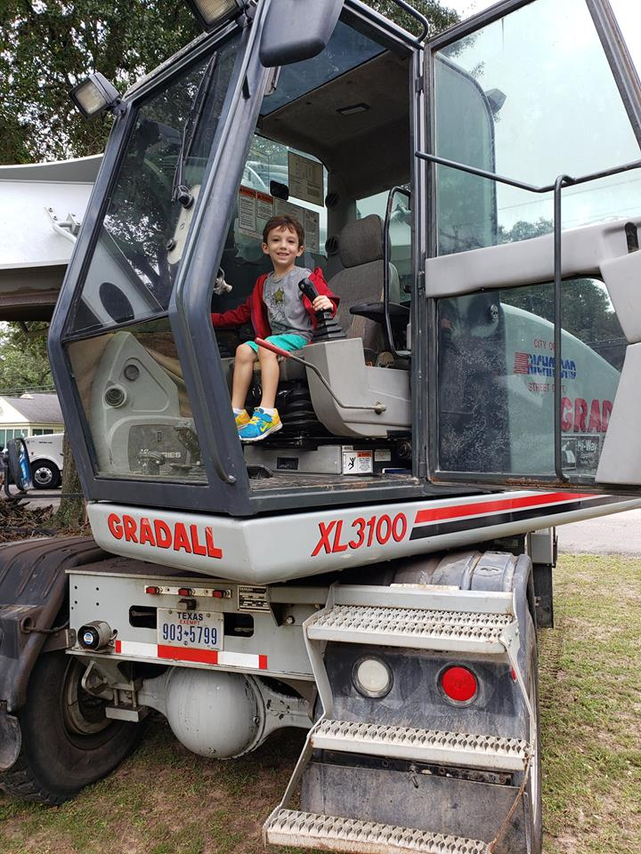 Shady Oaks School Touch A Truck 2018 photo